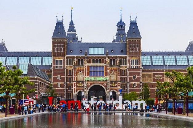 The_University_of_Amsterdam_ha-lan